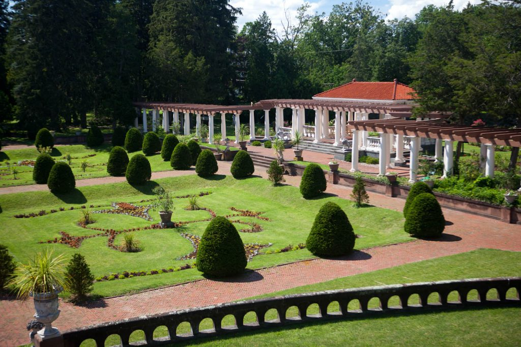 Sonnenberg Gardens & Mansion